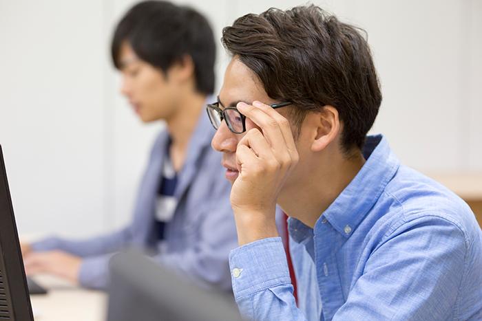 メールオペレーター・武内幸次さん(仮名=25歳) 高収入求人ドカント