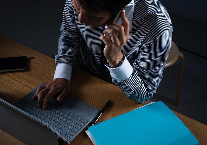 高収入求人サイトを見て、風俗業界の仕事を発見。 男性高収入求人ドカント