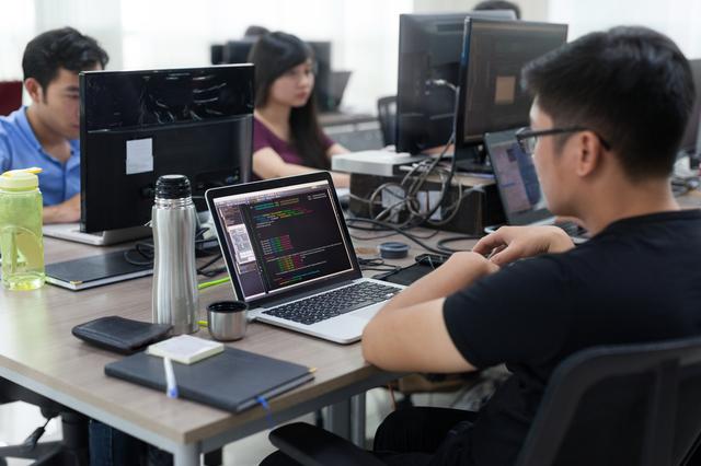 【体験談】メールオペレーターのバイトって何するの?1日の仕事の流れをレポート! 男性高収入求人ドカント
