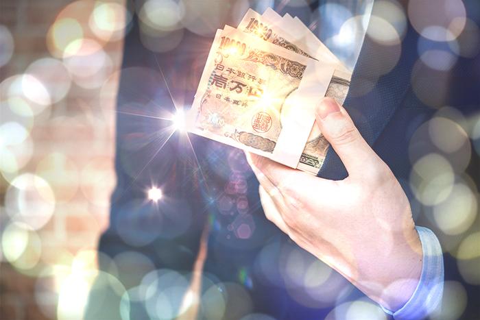 ナイトワーク・キャバクラ男性スタッフの収入 高収入求人ドカント