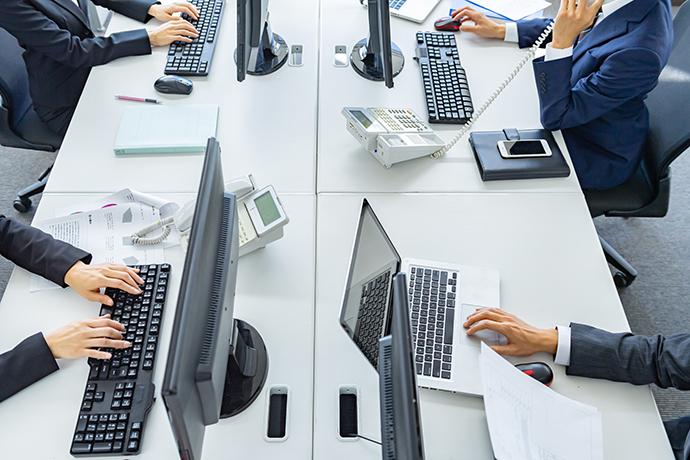 メールオペレーターのアルバイト…仕事内容や時給は? 男性高収入求人ドカント
