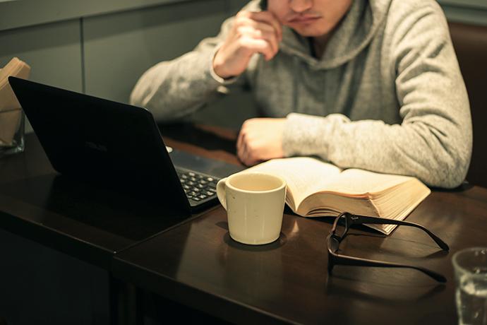 倒産、ブラック企業を経てネットカフェ難民に、そして…。 男性高収入求人ドカント